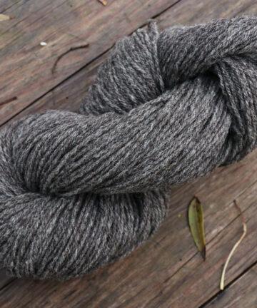 Fil à tricoter gris anthracite laine française