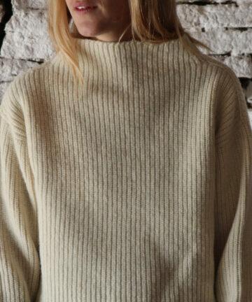 Pull femme col montant pure laine française