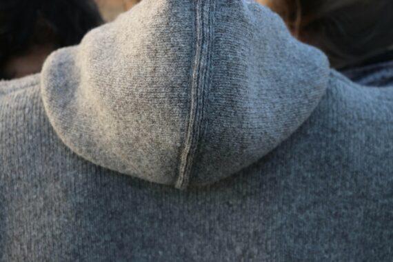 Détail veste capuche pure laine française