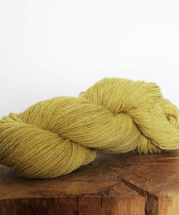 fil à tricoter vert tendre